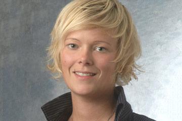 headshot of Nicole Steinmetz