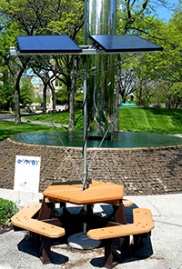 Student Energy Group Builds Solar Charging Picnic Table The Daily - Solar picnic table