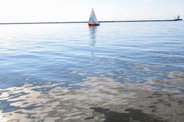 Photo of boat on lake