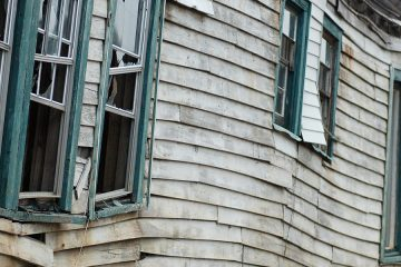 Photo of damaged house