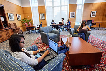 Students working in the Kelvin Smith Library Research Commons