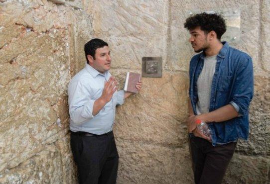 Daniel Shoag and CWRU student