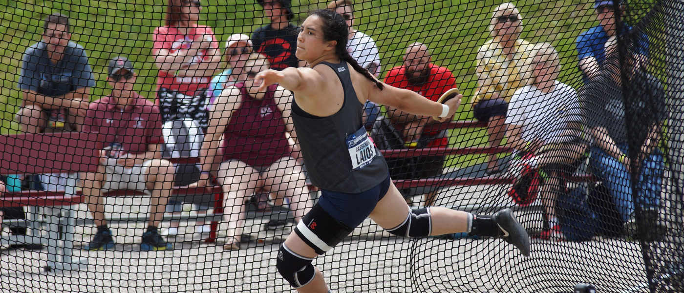 Photo of Cassandra Laios throwing the discus