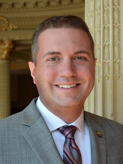 Headshot of Case Western Reserve alumnus Tom Parrish